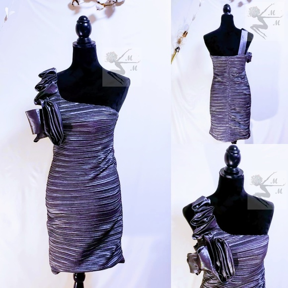Romeo & Juliet Couture Dresses & Skirts - 🆕Romeo & Juliet Couture one shoulder Dress size M